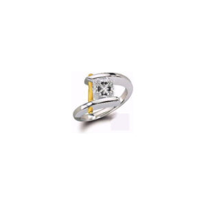 IMAGE OF 31-E107 ENGAGEMENT SOLITAIRE RING_ PRINCESS CUT DIAMOND