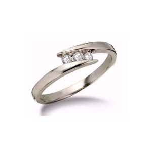 IMAGE OF 71-339 Diamond Promise Ring_White gold 3 diamond style