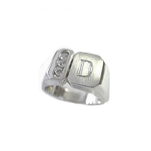 image of 40-G200 Signet ring_Diamond set with one initial